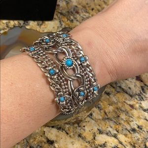 Silver chains turquoise flower beads bracelet GUC